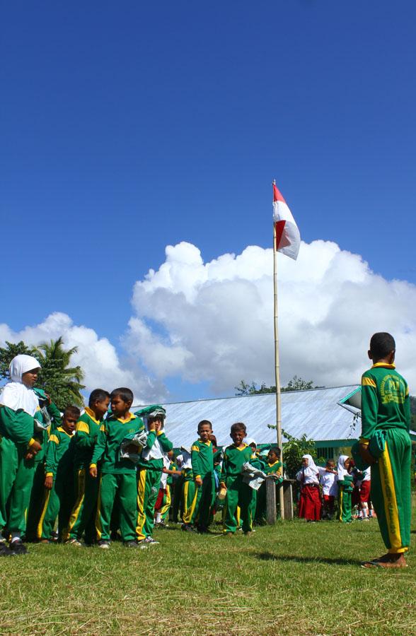 Upacara Bendera di Suatu Pagi di Halmahera